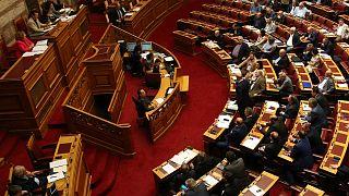 Ελλάδα: Υπερψηφίστηκαν οι τροπολογίες για τα προαπαιτούμενα