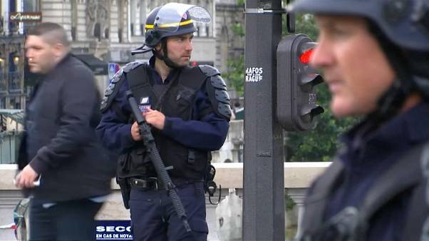 Anti-terror bill to take in French emergency measures?