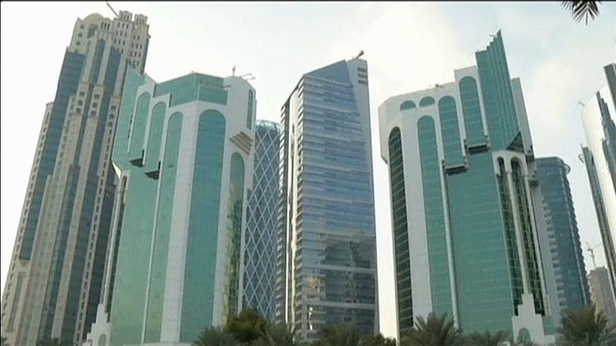 Katar'a şimdi de kara liste kıskacı