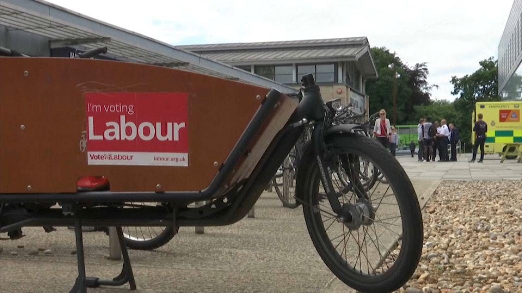 Eleições revelam fratura geracional no Reino Unido