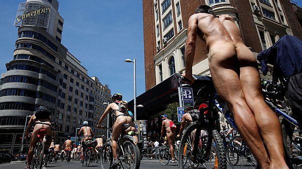 Madrid: ciclistas nús por mais segurança rodoviária