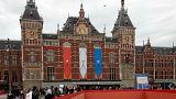 Amsterdam: Vor Polizei flüchtender Fahrer verletzt 8 Menschen