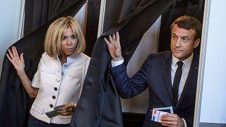 Macron és felesége leadta voksát