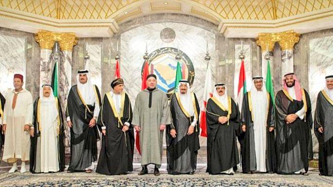 الرباط تعلن الحياد وتمد يد الوساطة في الأزمة الخليجية