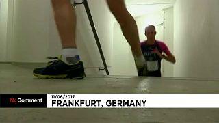 Futóverseny a frankfurti felhőkarcolóban
