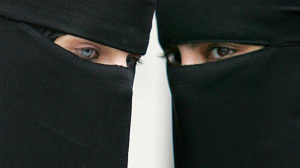 نروژ پوشیدن برقع و نقاب را ممنوع می کند
