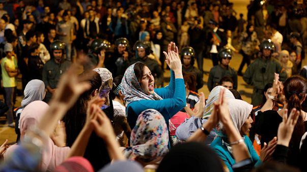 الاحتجاجات الشعبية تتواصل في المغرب ووفد حكومي يزور الحسيمة