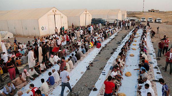 مرگ دو نفر و بستری شدن صدها نفر بر اثر خوردن افطار مسموم در عراق