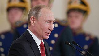 Putyin: a NATO-csatlakozást fontolgattuk