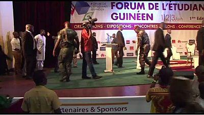 Guinée - promesse de campagne: le président Condé ordonne la distribution de tablettes aux étudiants