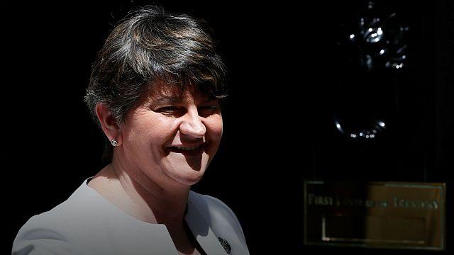 """Sinn Feinn: """"Theresa May - DUP koalisyonu endişe kaynağı"""""""