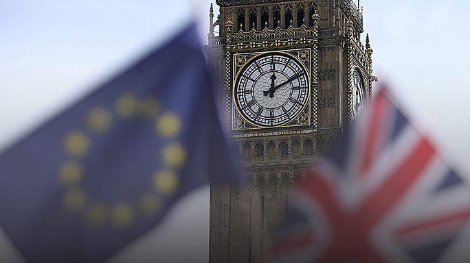 Brexit: alla confusione di Londra, Bruxelles risponde esercitando pressione
