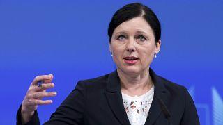 L'Ue firma la convenzione del Consiglio d'Europa contro la violenza sulle donne