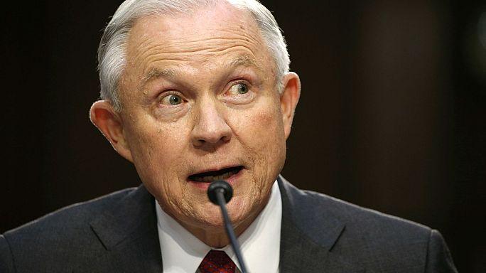 Jeff Sessions niega haber conspirado con Rusia