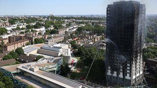 حریق ساختمان ۲۷ طبقه در لندن ۳۰ مصدوم بر جا گذاشت