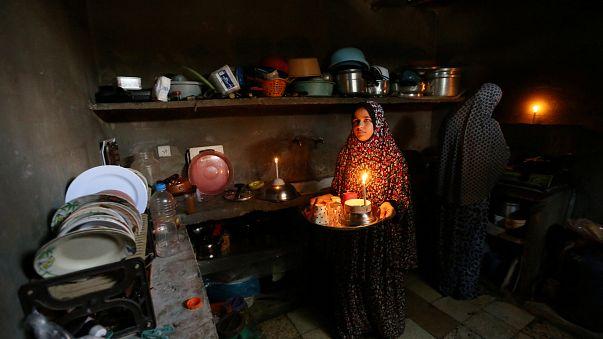 خفض الكهرباء في غزة من 3 ساعات إلى 45 دقيقة يوميا