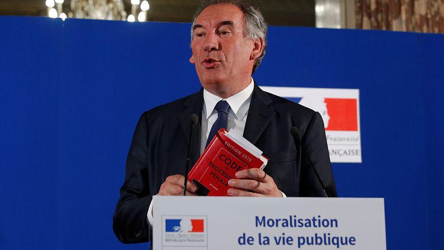 France : Bayrou peut-il être crédible sur la moralisation publique?
