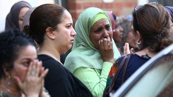 """Hochhausbrand in London: """"Fangt mein Baby auf"""""""