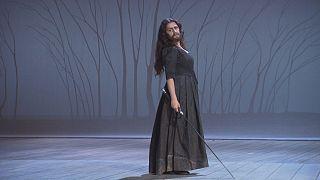 Cecilia Bartoli, Ariodante'deki erkek rolüyle şaşırttı