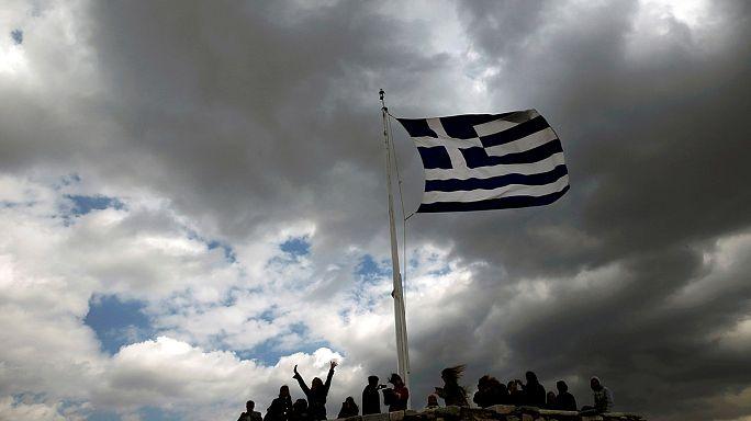Euro Bölgesi maliye bakanları Yunanistan'ı masaya yatıracak