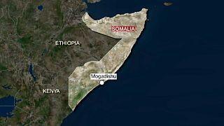 هجوم انتحاري بسيارة مفخخة خارج مطعم في مقديشو