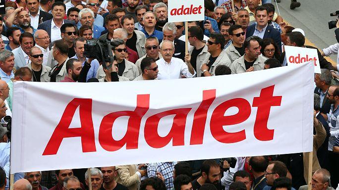 مظاهرة للمعارضة التركية في أنقرة احتجاجا على سجن نائب