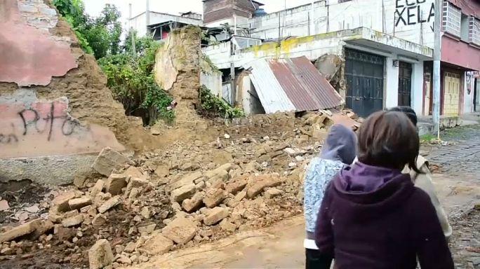 Se elevan a 5 los muertos por un terremoto en Guatemala