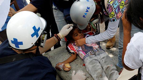 ونزوئلا؛ سرکوب معترضان توسط گارد ملی و نیروهای موتورسوار امنیتی