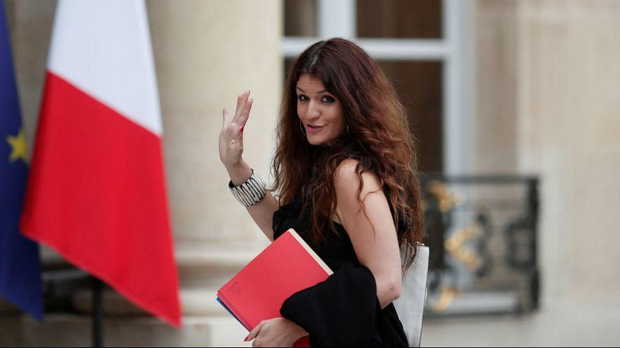 پیاده روی شبانه وزیر برابری زنان و مردان فرانسه جنجال آفرین شد