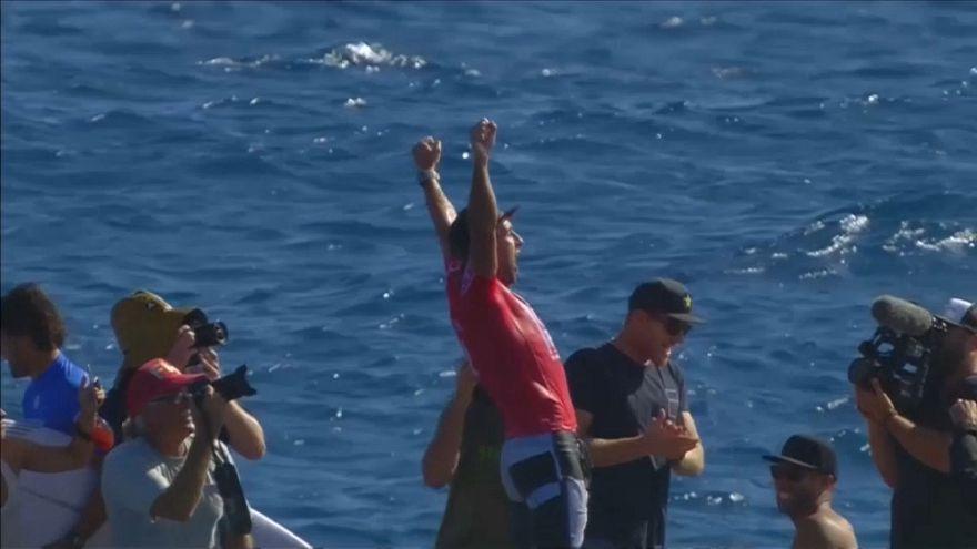 Wellenreiten: Wilkinson vor Fidschi vorn