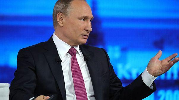 """Russia: Putin """"in diretta"""" con il paese"""