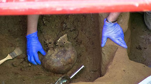 El descubrimiento de los huesos de Timoteo Mendieta, víctima del franquismo