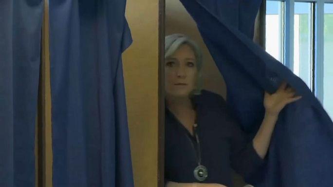 Parlamento Europeu levanta imunidade a Marine Le Pen