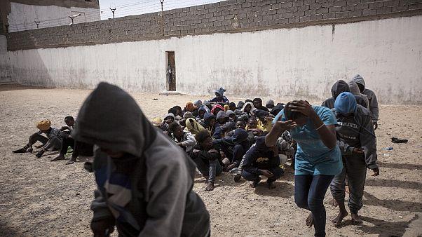 رسانههای اجتماعی ابزار تازه قاچاقچیان و تبهکاران در لیبی برای باجگیری