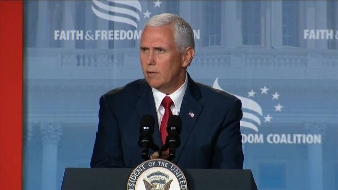 Mike Pence contrata advogado do caso Watergate
