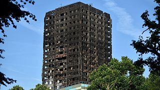 Лондон: число жертв пожара в высотке растет