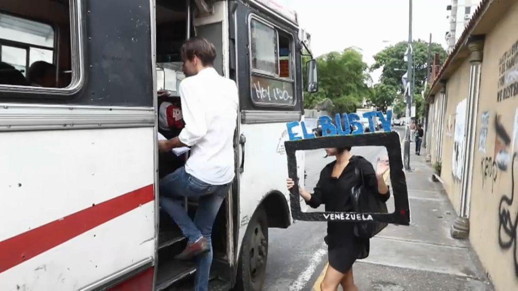 Busztévével az objektív tájékoztatásért Venezuelában