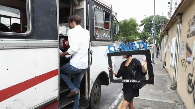 """Venezuela : """"Bus TV"""" défie la censure"""