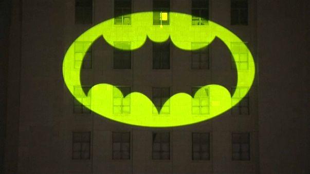 """Um """"Batman"""" no céu de Los Angeles"""