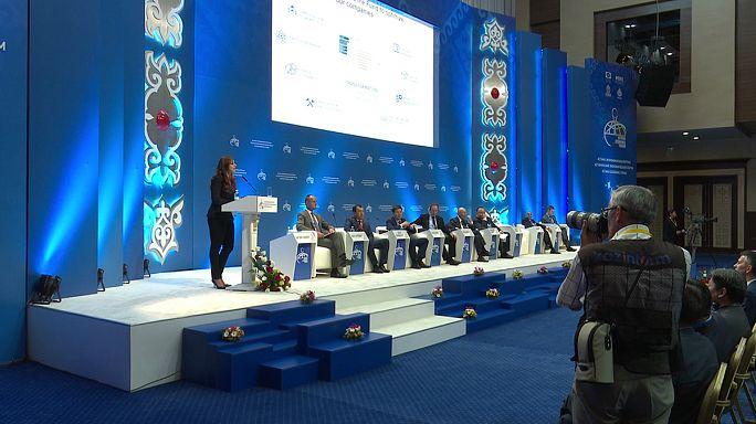 Astana Economic Forum: obiettivo ridurre dipendenza da petrolio e gas