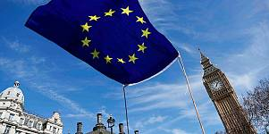 """""""Estado da União"""": pressão sobre May, alívio na Grécia e fim do roaming"""