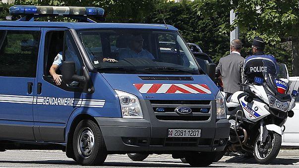 Chasse-sur-Rhône : une voiture remplie de bouteilles de gaz retrouvée à proximité d'un site Seveso (Le Dauphiné)