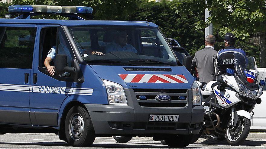 Fransa'nın Chasse sur Rhone bölgesinde şüpheli araç paniği
