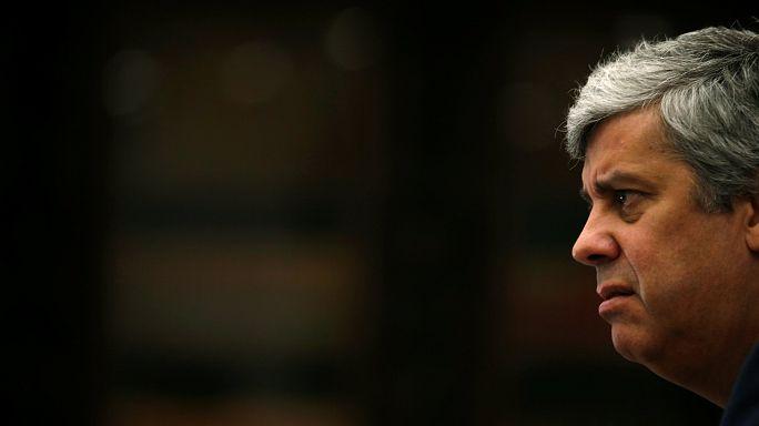 España amenaza con vetar el rescate griego