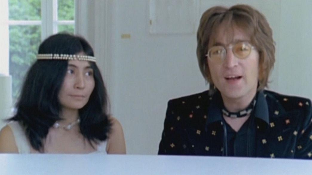 """""""Imagine"""" nommée chanson du siècle, Yoko Ono devient co-auteure"""