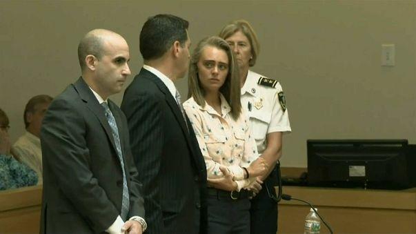محكمة تدين فتاة بالقتل غير العمد لتشجيع صديقها على الانتحار