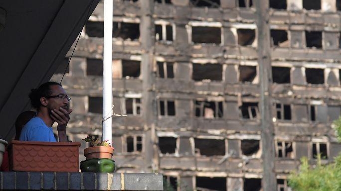 Tüntetések a londoni tűzvész miatt
