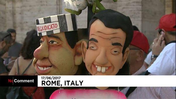 تظاهرات كبيرة في روما تندد بشروط العمل المؤقت