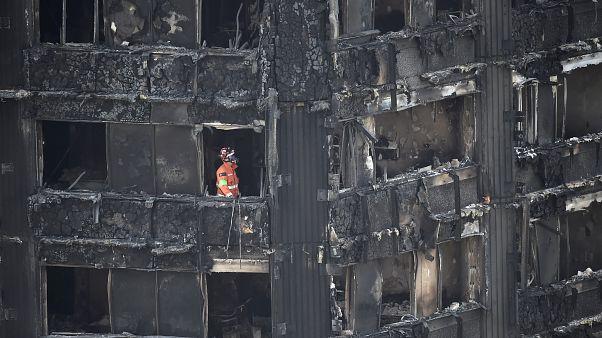بالفيديو: برج غرينفل بلندن يتحول إلى منزل أشباح