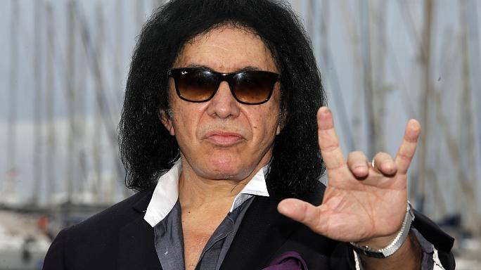 "Kiss frontman Gene Simmons wants to trademark ""devil horns"" gesture"